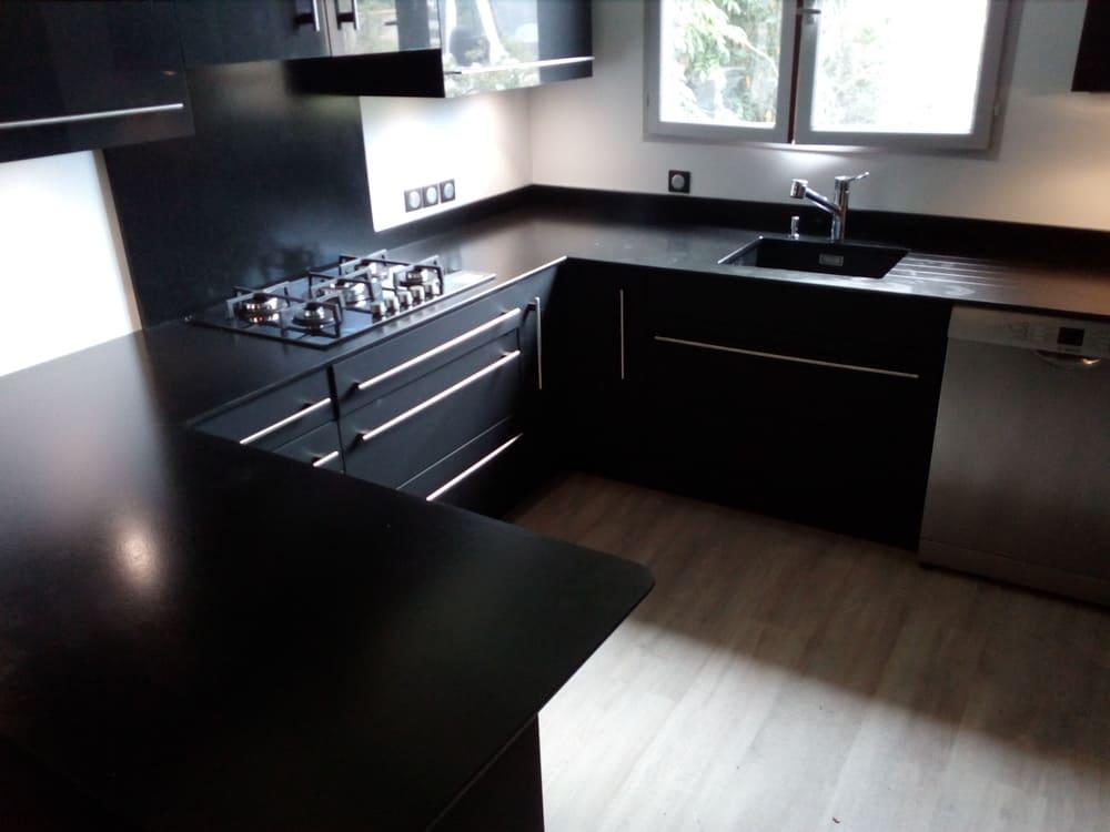 Photo d'une cuisine d'angle